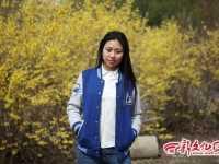 吉大女生自制毕业棒球服走红 蔡茂