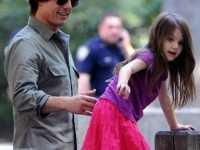 汤姆克鲁斯被曝与女儿1年未见 汤姆克鲁斯八卦
