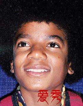 迈克尔杰克逊整容始终照片比照 麦克杰克逊图片